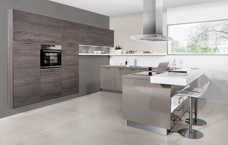 Moderne kuhinje so večinoma z otokom