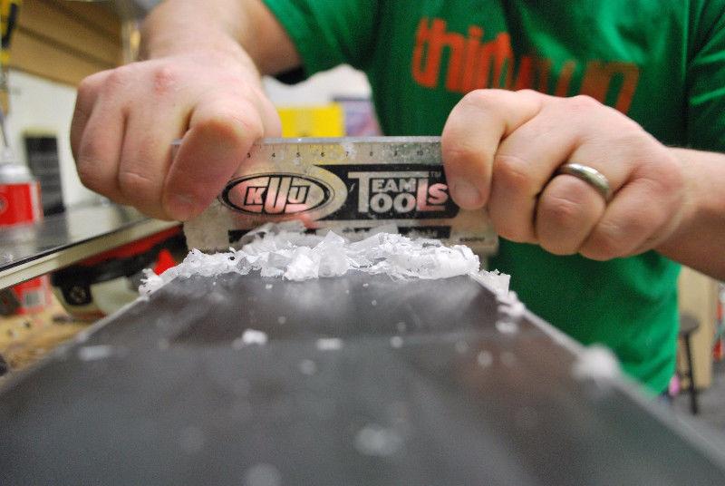 Kako se naredi pravilen smučarski servis?